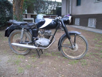 Restauration MONDIAL 125cc Champion Lusso. E2e06a660887553