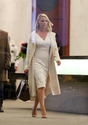 "Katherine Heigl - on ""Suits"" set, Toronto, 4/29/2018"