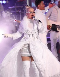 Christina Aguilera - Times Square New Year's Eve 2019 celebration in NYC 12/31/18