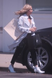 Sarah Michelle Gellar - Shopping in Beverly Hills 5/17/18