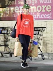 Margot Robbie - Grocery shopping in LA 2/5/18