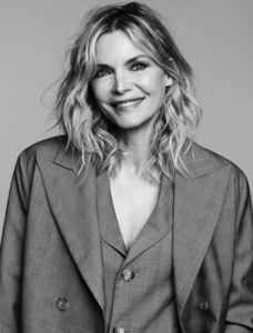 Michelle Pfeiffer -             InStyle Magazine March 2019.