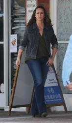 Jennifer Love Hewitt - On the set of 9-1-1 in LA 8/9/2018 f77aa0942151184