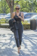 Kylie Jenner - At Polacheck's Jewlers in Calabasas 8/13/18