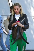 Corinne Olympios shows her excitement after a getting a treatment at the Kate Somerville Spa 25.03.2019 x22 9262ac1174822574