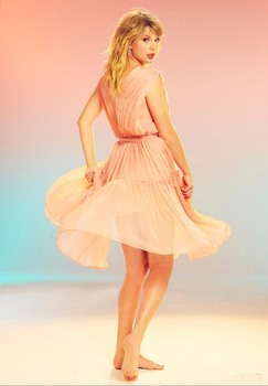 Taylor Swift Feet The Mousepad