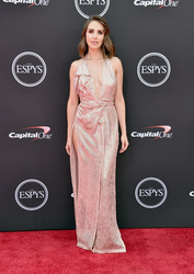 Alison Brie at the 2018 ESPYS in Los Angeles - 7/18/18
