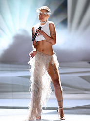 Halsey - 2018 Victoria's Secret Fashion Show in NYC 11/8/2018 56dfb61026341144