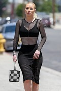 Iggy Azalea - Arriving at a studio in LA 7/11/18