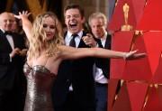 Дженнифер Лоуренс (Jennifer Lawrence) 90th Annual Academy Awards at Hollywood & Highland Center in Hollywood, 04.03.2018 - 85xHQ F714fd880703194