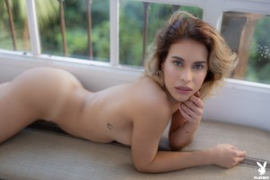 Nackt Melanie  de Toni Melanie De