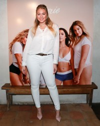Iskra Lawrence - AerieREAL Role Models dinner party in NYC 1/25/18