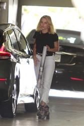 Margot Robbie - Out in LA 8/29/18