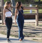 Selena Gomez at Lake Balboa park in Encino 02/02/2018998508737637713