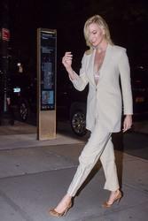 Karlie Kloss -  in NYC, 10/30/2018