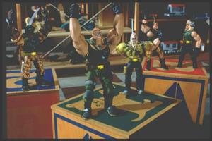 Солдатики / Small soldiers (1998) Кирстен Данст , Томми Ли Джонс (голос) 1dd61b937753274
