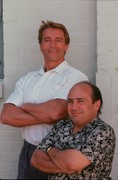 Близнецы / Twins  (Д,ДеВито, А,Шварценеггер, 1988)  4cd11c938097024