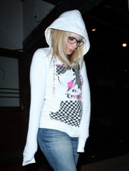 Avril Lavigne - Leaving Madeo Restaurant in LA 2009-07-20