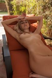 http://thumbs2.imagebam.com/8e/e4/76/9564601068446144.jpg