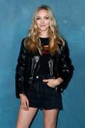 Аманда Сейфрид (Amanda Seyfried) Givenchy show as part of the Paris Fashion Week Womenswear Spring/Summer 2019 - 30.09.2018 - 5xHQ 645e971140622644