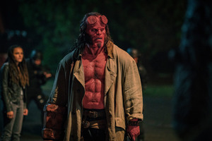 Хеллбой: Возрождение кровавой королевы / Hellboy (2019)Дэвид Харбор ,Мила Йовович C2bb031149382924