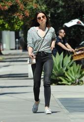 Aubrey Plaza - Getting coffee in West Hollywood 3/29/18