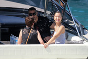 Bella Hadid boarding a yacht in Monaco 05/25/2018c10e70876374974