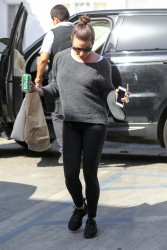 Lea Michele - Arrives at a beauty salon in Los Angeles - 02/12/2018