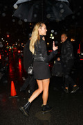 Candice Swanepoel - Out in NYC 12/2/2018 e70e711050881334