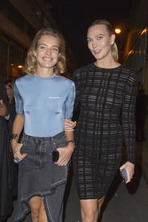 Karlie Kloss - Leaving the Off-White Fashion Show in Paris 9/27/18