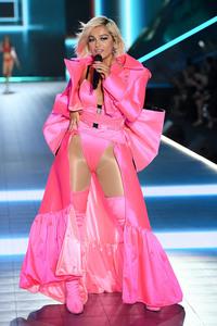 Bebe Rexha - 2018 Victoria's Secret Fashion Show in NYC 11/8/2018 493be01026340234