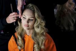 Candice Swanepoel - Moschino x H&M fashion show, NYC, 10/24/2018