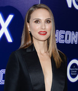 Natalie Portman - Premiere of Neon's 'Vox Lux' in Hollywood 12/5/2018 2f8c401054321084