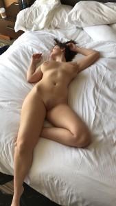 http://thumbs2.imagebam.com/9c/a1/35/8ab5db685904143.jpg
