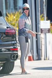 Katy Perry and Orlando Bloom Shopping at the Brentwood Country Mart in Los Angeles - 5/17/19