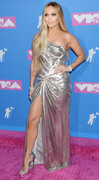 Дженнифер Лопез (Jennifer Lopez) MTV Video Music Awards, 20.08.2018 (95xHQ) C28b04955993604