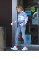 Hailey Baldwin - Leaving Rite-Aid in Beverly Hills 4/18/18