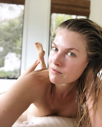 Ali Larter Photo Gallery And Forum