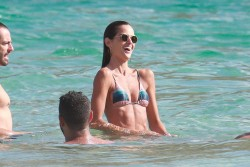 Izabel Goulart in Bikini candids on the beach in Fernando de Noronha 01/03/20188eb124707994703