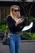 Amber Heard - Leaving a clinic in NYC 6/6/18