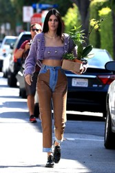 Kendall Jenner - Buying flowers in LA 4/6/19