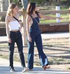 Selena Gomez at Lake Balboa park in Encino 02/02/2018f4fe3a737637643