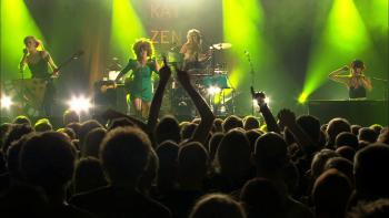 Katzenjammer: A Kiss Before You GoLive in Hamburg (2016) 1080p.BDRip.x264.AC3-alE13