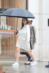 Miranda Kerr - Shopping in Beverly Hills 3/3/18