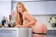 http://thumbs2.imagebam.com/b0/c8/8f/1cc485668557063.jpg