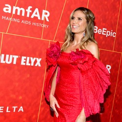 Heidi Klum - amfAR Los Angeles Gala October 18.2018 0526611007777604