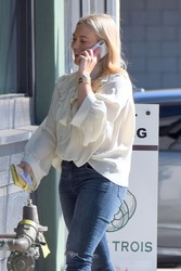 Hilary Duff - Out for lunch in LA 1/25/19