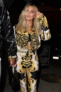Khloe Kardashian - Out for dinner in West Hollywood 8/17/18