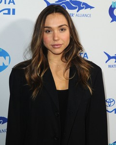 Alexis Ren - Keep It Clean Live Comedy To Benefit Waterkeeper Alliance in LA 2/21/19