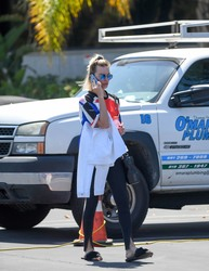 Margot Robbie - Going to a medical building in Marina Del Rey 5/15/18